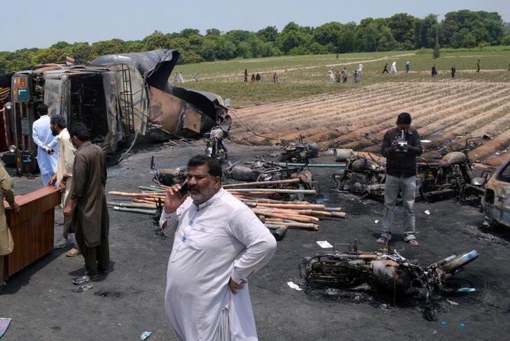 Pakistan Investigates Shell Contractor over Oil Tank Explosion