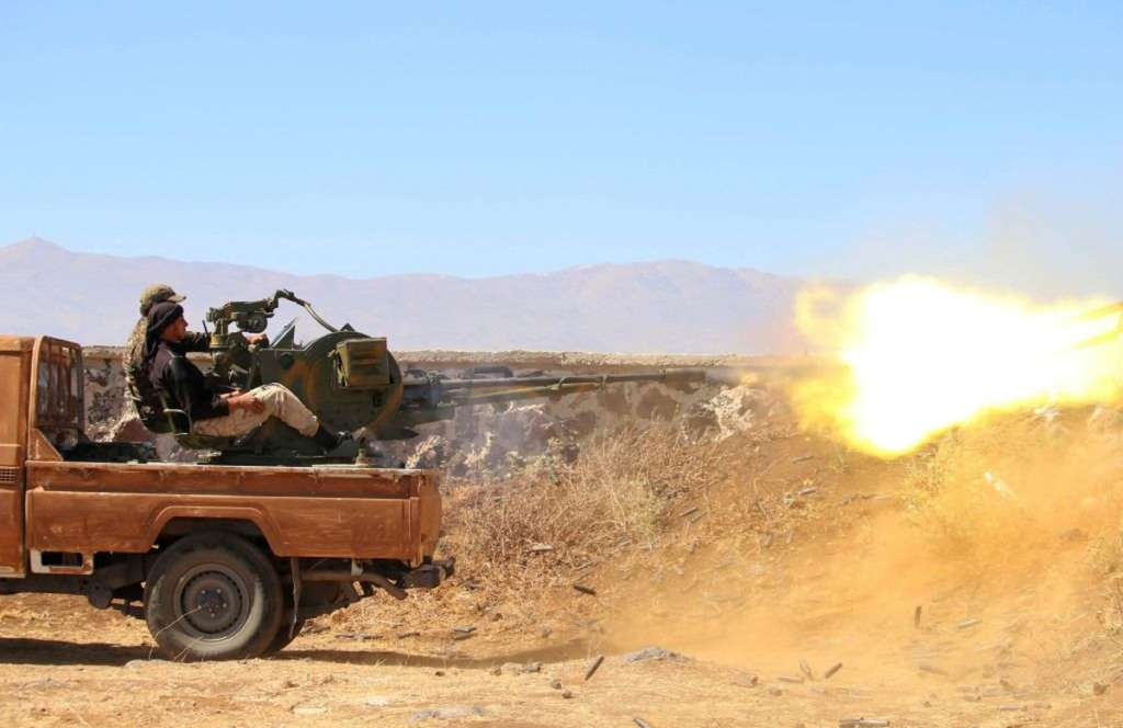 Washington Warns Syrian Opposition from Fighting Regime Forces in Desert