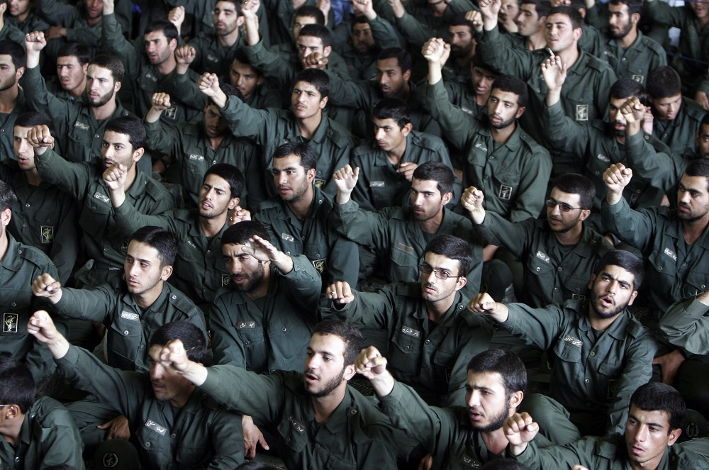 Iran's Revolutionary Guards Clashes with Gunmen on Borders