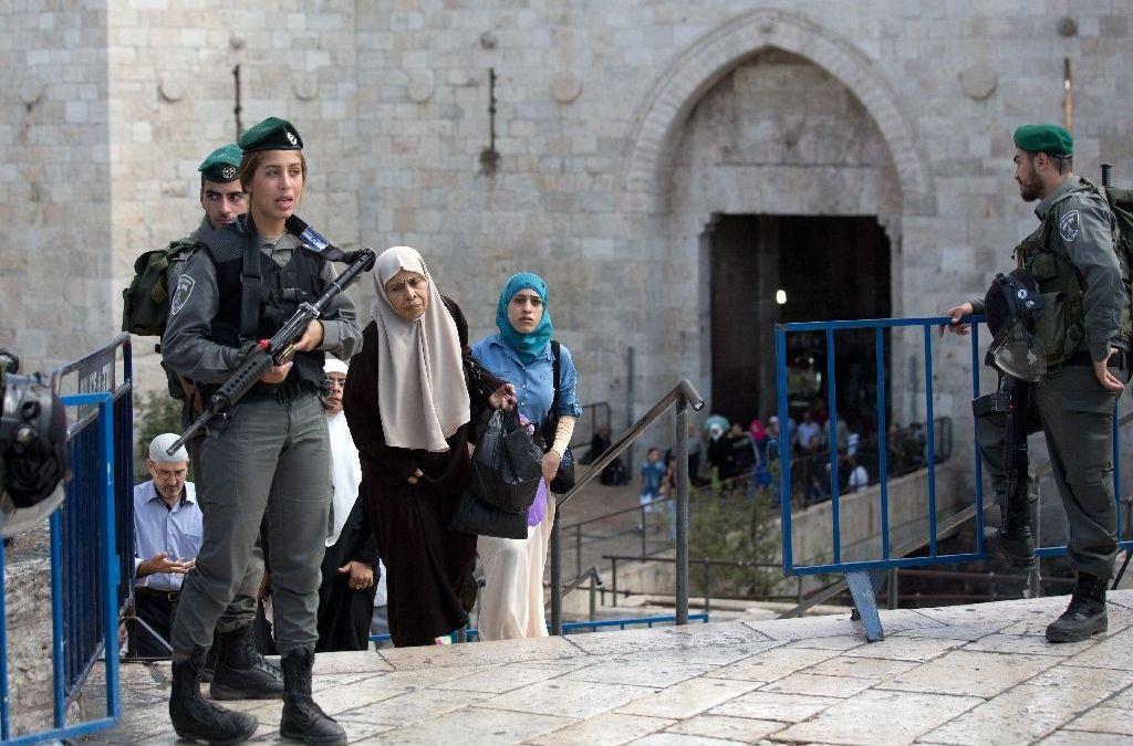 HRW: Israeli Forced Deportation of Palestinians from Jerusalem Maybe 'War Crime'