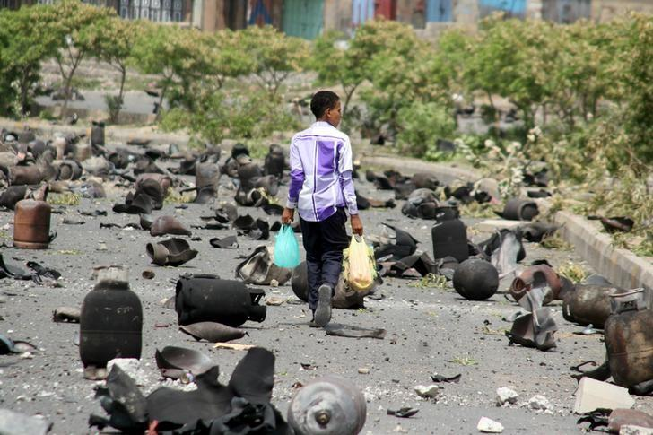 HRW: Houthi and Saleh Forces Kill Civilians in Taiz