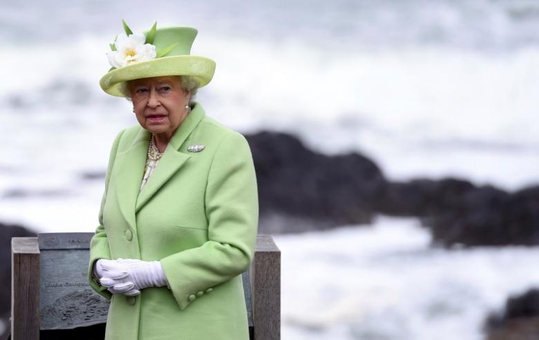 Queen Elizabeth 'Eats to Live, not Lives to Eat'