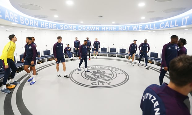 Pep Guardiola's Circular Dressing Room Offers One Way to Split Up Team Cliques