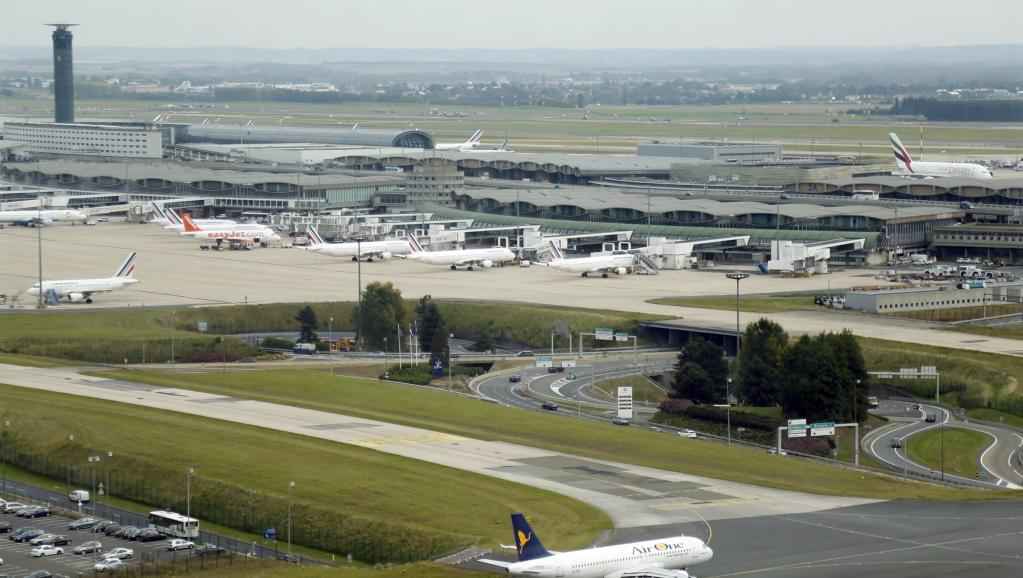False Alarm Delays London-Bound Plane at Paris Airport