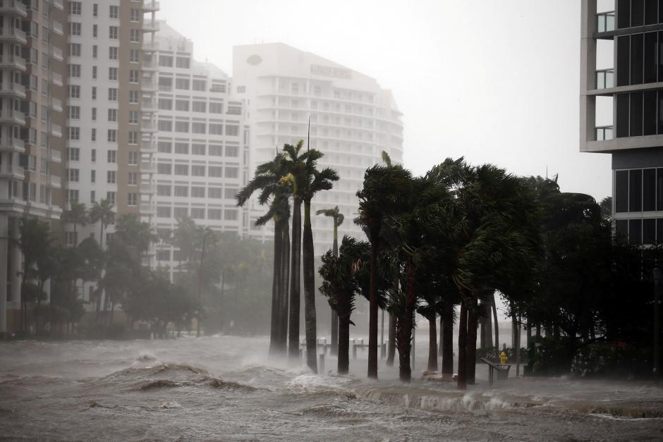 Hurricane Irma Weakens off US Coast but Still Leaves Destruction in its Wake