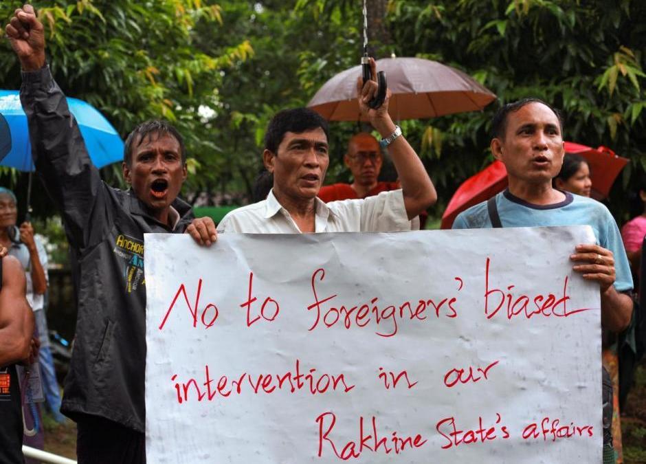 Myanmar Demonstrators Attempt Blocking Relief Shipment to Muslim Rohingya