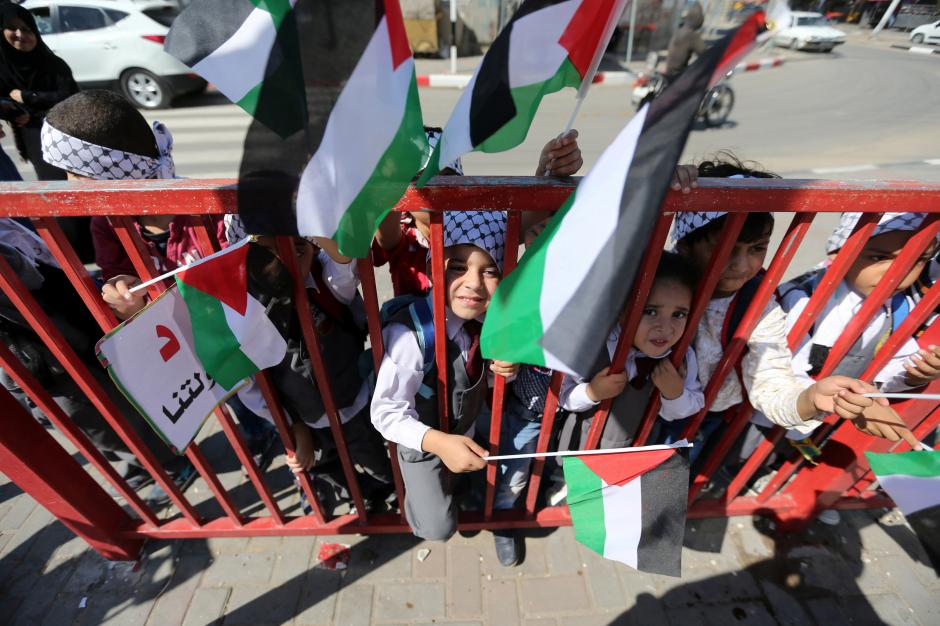Palestinian Authority to Take Control of Gaza Crossings in November