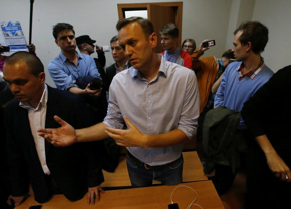 Day after his Arrest, Kremlin Warns Navalny Supporters against Protests