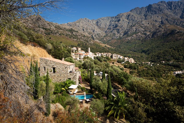 Sluggish Housing Market Draws Buyers to Corsica