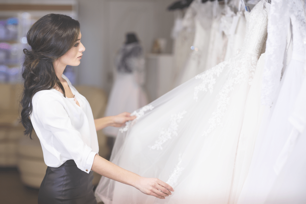 3 mindset hacks that will change your wedding planner career. Stop doubting yourself and learn how to make sales with a new perspective.