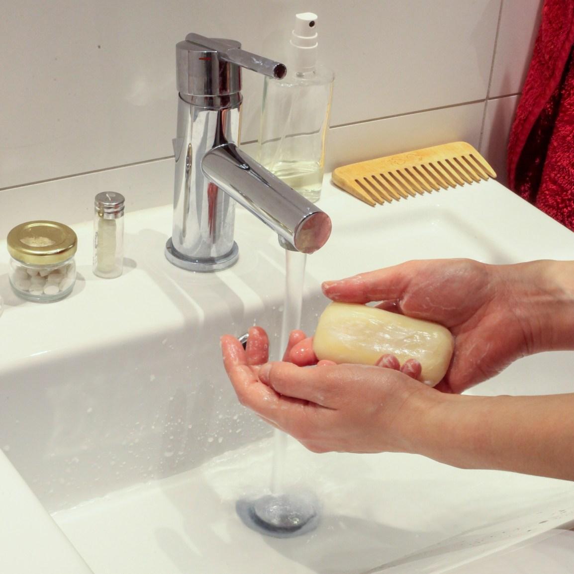wash-hands-4941746_1920