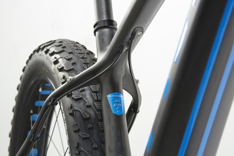 Pivot LES Fat top tube seat tube junction