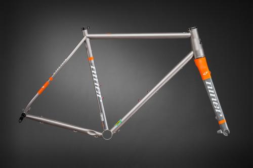 Niner RLT 9 Steel frame color Forge Grey Safety Orange