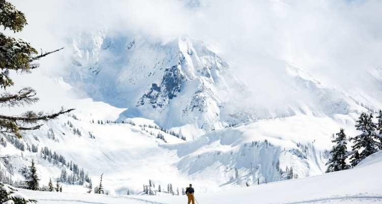 Mt Shuksan - Fourpoints Bar - photo credit Zach Birmingham