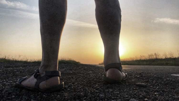 minimalist shoes Xero Z Trek and a Peak District sunrise