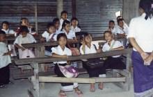 Grundschule Ban Sikeud vor der Renovierung durch Angels for Children