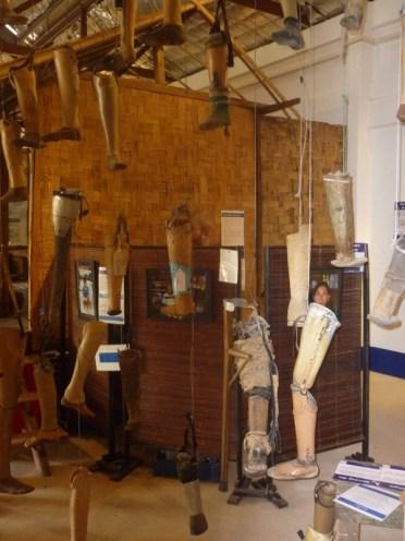 COPE Visitor Center in Vientiane: Das Reha Zentrum und Museum informiert über die Geschichte und die Überbleibsel aus dem Krieg und über das Leben der Menschen vor Ort