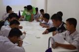 Schüler im neuen Physiksaal