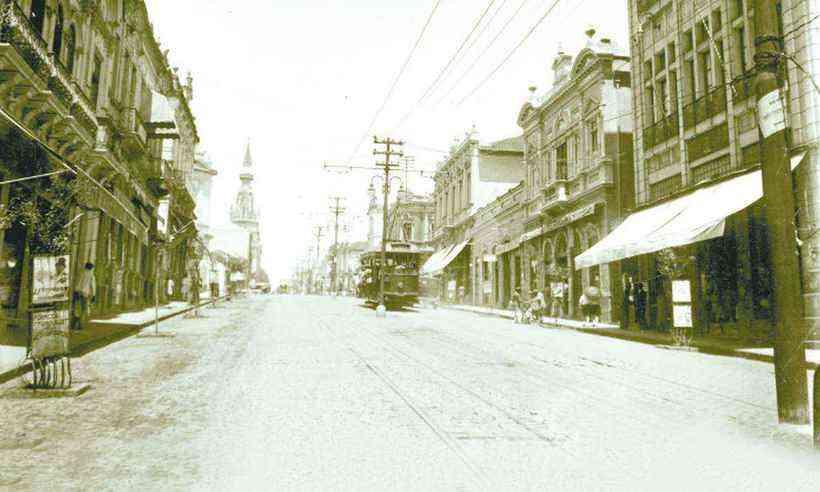 Rua da Bahia, no Centro de Belo Horizonte, década de 1920, época de pandemia