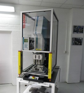 The production solution, developed by Telsonic UK, includes a Telsonic USP3000P ultrasonic welding machine fitted as standard with a pneumatic proportional valve, linear encoder and force transducer.)