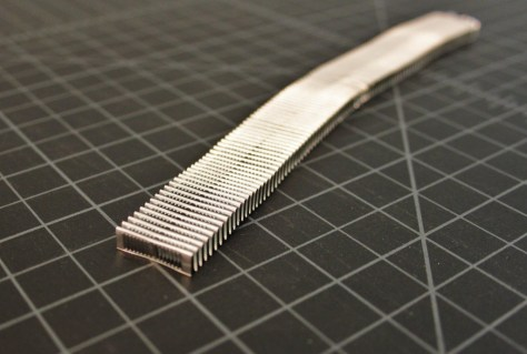 Louvered straight fin