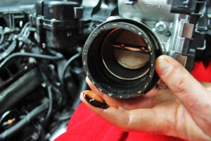 Throttle body oil contamination