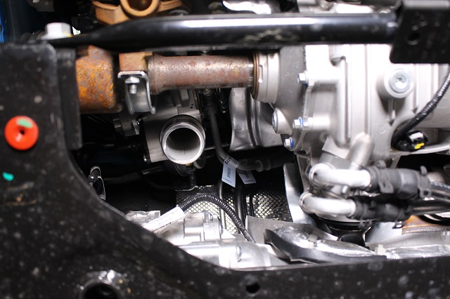 Turbo outlet for the hot-side pipe