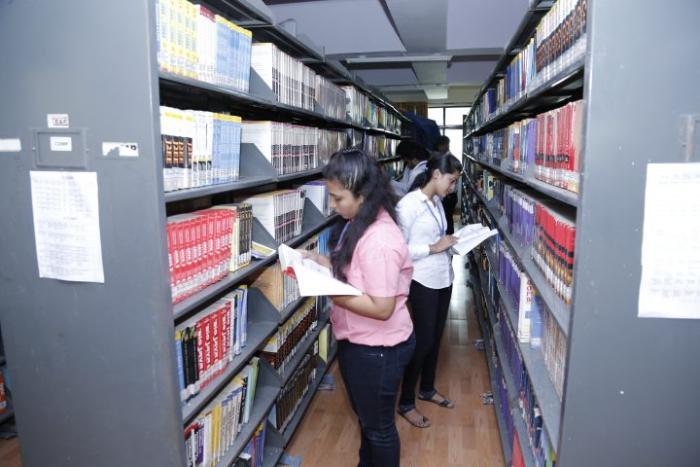 saraswati college library