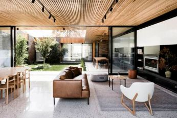 Courtyard House _ FIGR Architecture & Design _ ArchDaily