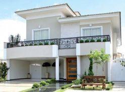 Referências clássicas nortearam o projeto arquitetônico e decorativo desta casa de forma bem dosada . ... _Fachada