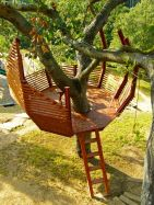 Check out these 8 tips for building your own backyard treehouse.