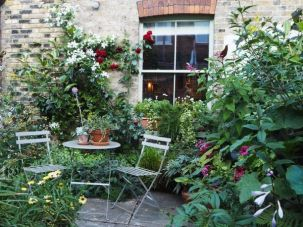 How you can create a backyard for entertaining _backyard _create _entertaining