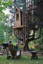 Josie_s treehouse by chrisaxling_ via Flickr