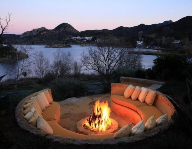 38 Awesome Outdoor Fire Pit Ideas To Enjoying This Summer