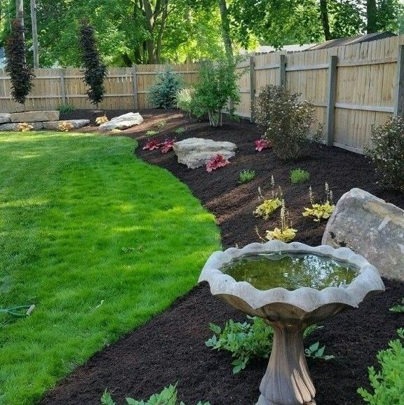 40+ Simple and Beautiful Backyard Landscaping Ideas for Beautify Your Garden