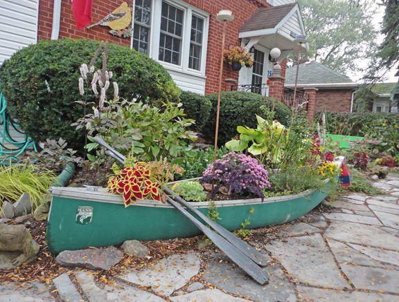 10 Ideas With Boat Planters