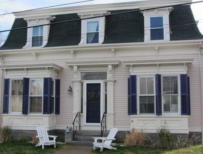Everything You Have to Know About Mansard Roof