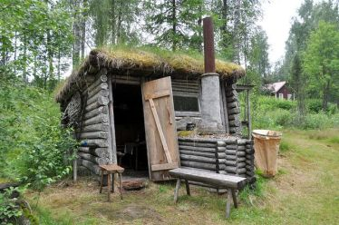 Primitive_Houses_and_Bushwak (85)