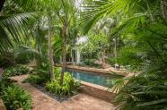 Fabulous-Tropical-Garden-Design-Ideas-That-You-Definitely-Like-04