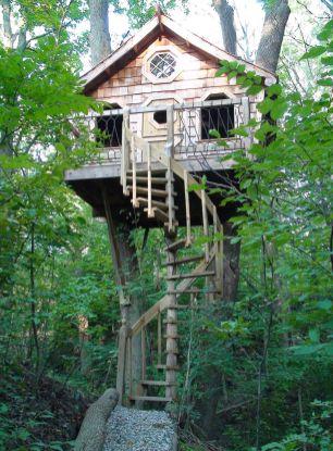 Wonderful-Treehouse-Design-Ideas-To-Beautify-Your-Backyard-22