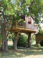 Wonderful-Treehouse-Design-Ideas-To-Beautify-Your-Backyard-28