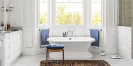 white-bathroom-freestanding-tub-1563999078