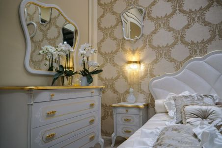 Baroque-feminine-bedroom-design-with-white-accents-furniture
