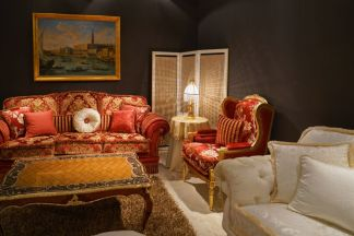 Baroque-rich-colors-sofa-and-armchairs-in-red-and-pale-white
