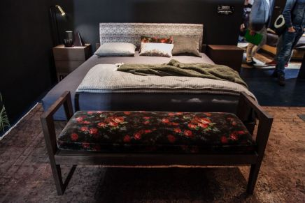 Bedroom-foot-bench-with-floral-patern