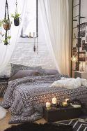 Bohemian-Bedroom-Idea-with-gray