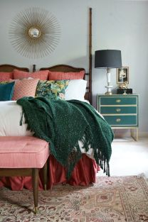Bohemian-bedrom-with-emerald-green