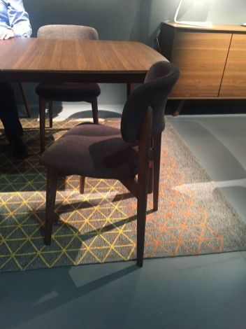 Brown-table-and-chairs-from-Calligaris