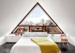 Canadian-firm-tongtong-traditional-home-in-Toronto-bedroom