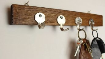Coat-rack-from-bending-old-keys